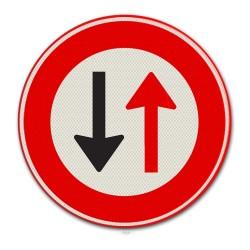 Verkeersbord F05 Voorrang voor tegenliggers