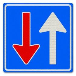 Verkeersbord F06 Voorrang op verkeer uit tegengestelde richting