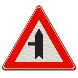 Verkeersbord B04 Voorrangskruispunt zijweg links